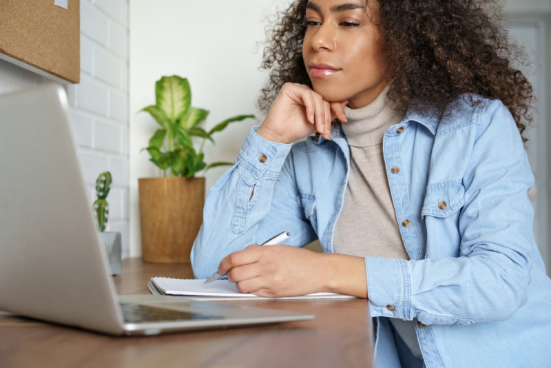 Black woman taking a course online